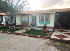 Casa En Alquileren El Tigre, Sector Avenida Intercomunal, Venezuela, VE RAH: 18-6308