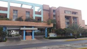 Apartamento En Alquileren Lecheria, Av Diego Bautista Urbaneja, Venezuela, VE RAH: 18-6330