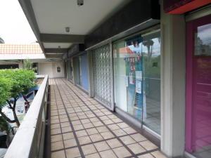Local Comercial En Ventaen Maracay, Urbanizacion El Centro, Venezuela, VE RAH: 18-6355