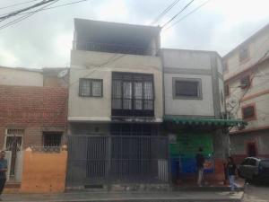 Casa En Ventaen Caracas, Catia, Venezuela, VE RAH: 18-6405