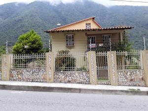 Casa En Ventaen La Puerta, Via La Lagunita, Venezuela, VE RAH: 18-6394