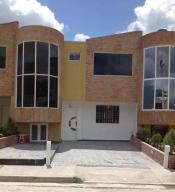 Townhouse En Ventaen Municipio San Diego, Sabana Del Medio, Venezuela, VE RAH: 18-6425
