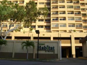 Apartamento En Ventaen Maracaibo, Avenida El Milagro, Venezuela, VE RAH: 18-6465