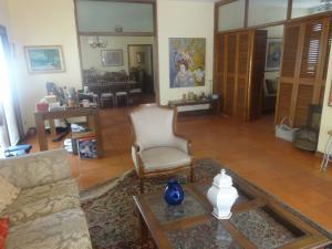 Casa En Alquileren Maracaibo, Avenida Universidad, Venezuela, VE RAH: 18-6531
