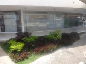 Local Comercial En Alquileren Maracaibo, Avenida Delicias Norte, Venezuela, VE RAH: 18-6549