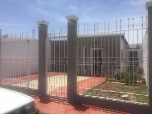 Casa En Ventaen Punto Fijo, Puerta Maraven, Venezuela, VE RAH: 18-6556