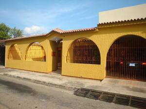 Casa En Ventaen Turmero, Los Overos, Venezuela, VE RAH: 18-6564
