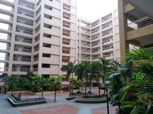 Apartamento En Ventaen Maracaibo, Avenida El Milagro, Venezuela, VE RAH: 18-6612