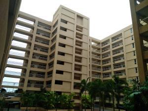 Apartamento En Ventaen Maracaibo, Avenida El Milagro, Venezuela, VE RAH: 18-6634