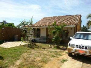 Casa En Ventaen Margarita, Luisa Caceres De Arismendi, Venezuela, VE RAH: 18-6695