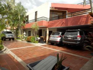 Casa En Ventaen Maracay, La Floresta, Venezuela, VE RAH: 18-6643