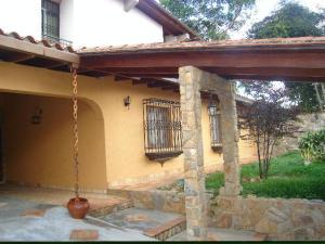 Casa En Ventaen Caracas, Santa Paula, Venezuela, VE RAH: 18-6945