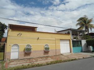 Casa En Ventaen Turmero, Los Caobos, Venezuela, VE RAH: 18-6669