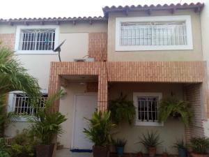 Townhouse En Ventaen Maracaibo, Lago Mar Beach, Venezuela, VE RAH: 18-6716
