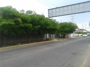 Apartamento En Ventaen Ciudad Ojeda, Avenida Vargas, Venezuela, VE RAH: 18-6714