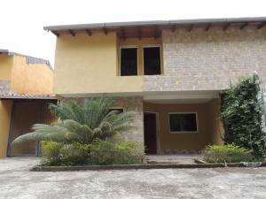 Townhouse En Ventaen Los Teques, Municipio Guaicaipuro, Venezuela, VE RAH: 18-6824
