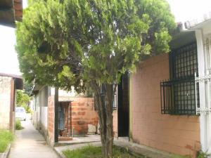 Casa En Ventaen Cagua, Prados De La Encrucijada, Venezuela, VE RAH: 18-6783