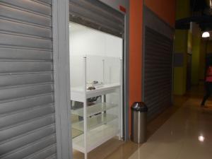 Local Comercial En Ventaen Maracay, Zona Centro, Venezuela, VE RAH: 18-6823