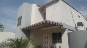 Casa En Ventaen Guacara, Ciudad Alianza, Venezuela, VE RAH: 18-6834