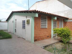 Casa En Ventaen Turmero, Villas Paraiso, Venezuela, VE RAH: 18-6835