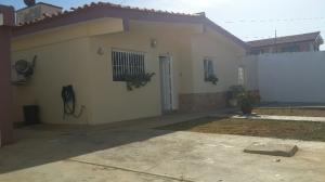 Casa En Ventaen Punto Fijo, Los Caciques, Venezuela, VE RAH: 18-6898