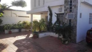 Casa En Ventaen Maracaibo, Valle Frio, Venezuela, VE RAH: 18-7000