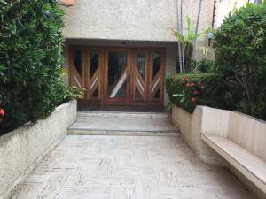 Apartamento En Ventaen Maracaibo, La Lago, Venezuela, VE RAH: 18-7219