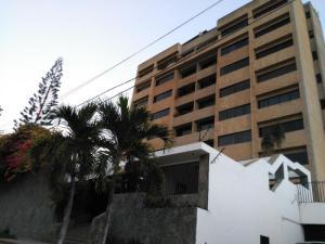 Apartamento En Ventaen Parroquia Caraballeda, Los Corales, Venezuela, VE RAH: 18-7048