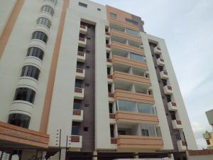 Apartamento En Ventaen Valencia, Campo Alegre, Venezuela, VE RAH: 18-7099