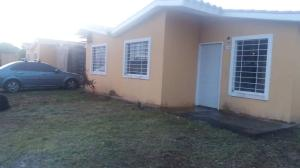 Casa En Ventaen Acarigua, Bosques De Camorucos, Venezuela, VE RAH: 18-7103
