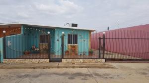 Casa En Ventaen Coro, Barrio San Jose, Venezuela, VE RAH: 18-7122