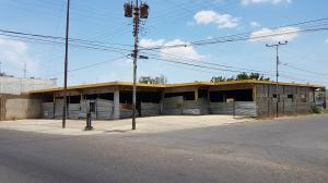 Edificio En Ventaen Coro, Av Romulo Gallegos, Venezuela, VE RAH: 18-7132