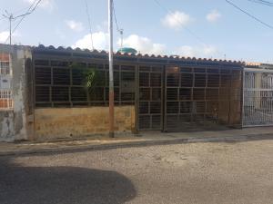 Casa En Ventaen Barquisimeto, Parroquia El Cuji, Venezuela, VE RAH: 18-7156