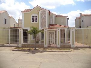 Casa En Ventaen Coro, Parcelamiento Santa Ana, Venezuela, VE RAH: 18-6905