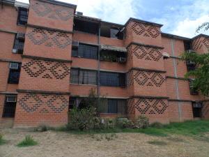 Apartamento En Ventaen Guarenas, Nueva Casarapa, Venezuela, VE RAH: 18-7180