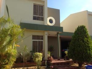 Townhouse En Ventaen Maracaibo, Monte Bello, Venezuela, VE RAH: 18-7224