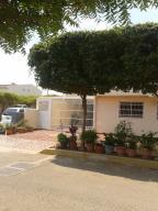 Townhouse En Ventaen Maracaibo, Avenida Milagro Norte, Venezuela, VE RAH: 18-7246