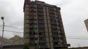 Apartamento En Ventaen Parroquia Caraballeda, Los Corales, Venezuela, VE RAH: 18-7259