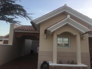 Casa En Ventaen Punto Fijo, Casacoima, Venezuela, VE RAH: 18-7263