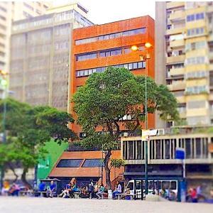 Oficina En Ventaen Caracas, Parroquia La Candelaria, Venezuela, VE RAH: 18-7318