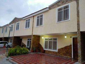 Townhouse En Ventaen Maracaibo, Cecilio Acosta, Venezuela, VE RAH: 18-8119