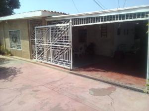 Casa En Ventaen Municipio San Francisco, Sierra Maestra, Venezuela, VE RAH: 18-7325