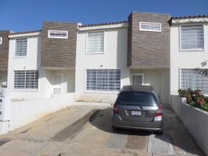 Casa En Ventaen Cabudare, Parroquia José Gregorio, Venezuela, VE RAH: 18-7374