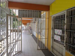 Local Comercial En Ventaen La Victoria, C.c Victoria Center, Venezuela, VE RAH: 18-7445