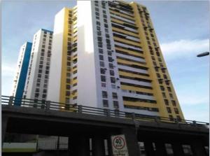 Apartamento En Ventaen Caracas, San Martin, Venezuela, VE RAH: 18-6748
