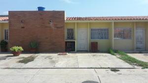 Townhouse En Ventaen Maracaibo, Circunvalacion Uno, Venezuela, VE RAH: 18-7494