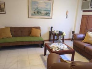 Apartamento En Alquileren Maracaibo, Cecilio Acosta, Venezuela, VE RAH: 18-7527