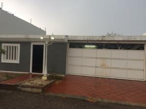 Casa En Ventaen Maracaibo, Avenida Milagro Norte, Venezuela, VE RAH: 18-7536