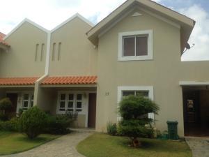 Townhouse En Ventaen Maracaibo, Zona Norte, Venezuela, VE RAH: 18-7611