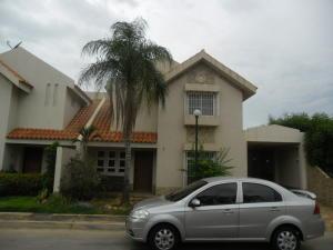 Townhouse En Ventaen Maracaibo, Fuerzas Armadas, Venezuela, VE RAH: 18-7600